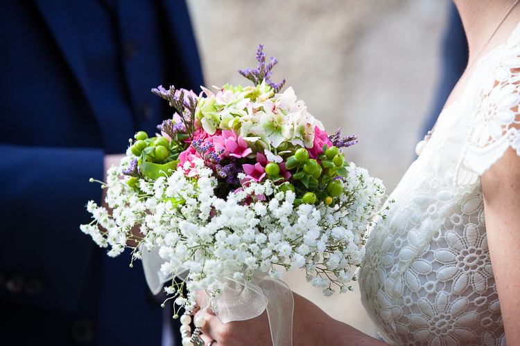 Gypsophila Baby Breath Flowers Bouquet Bride Bridal Relaxed Fun Home Made Back Garden Wedding http://www.rabbitandporkphotography.com/