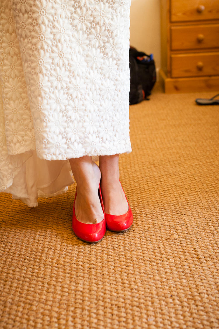Red Shoes Bride Bridal Relaxed Fun Home Made Back Garden Wedding http://www.rabbitandporkphotography.com/