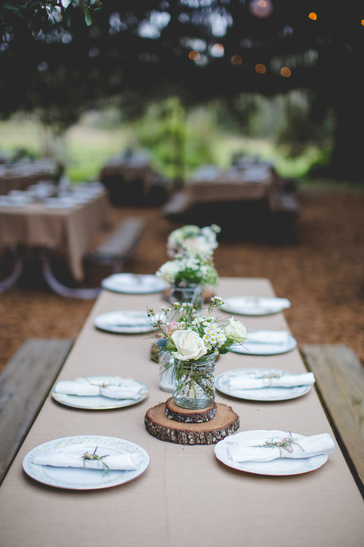 Outdoor Tables Rustic Log Slices Flowers Woodsy Crafty Ranch Wedding Florida http://www.jessicacruzphotography.com/