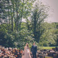 Creative Quirky Cosy Country Pub Wedding http://storyandcolour.co.uk/
