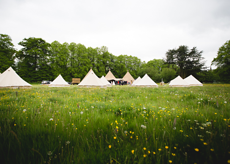 Bell Tents Creative DIY Outdoor Tipi Field Wedding http://hbaphotography.com/