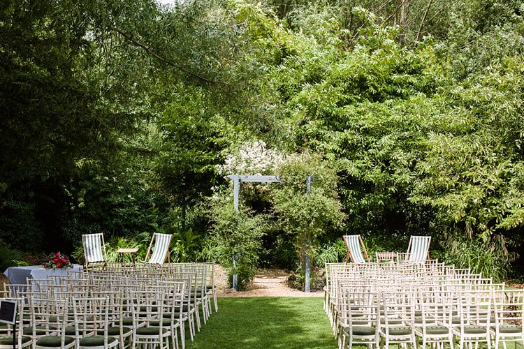Outdoor UK Graceful Relaxed Summer Garden Wedding http://www.nataliemartinphoto.com/