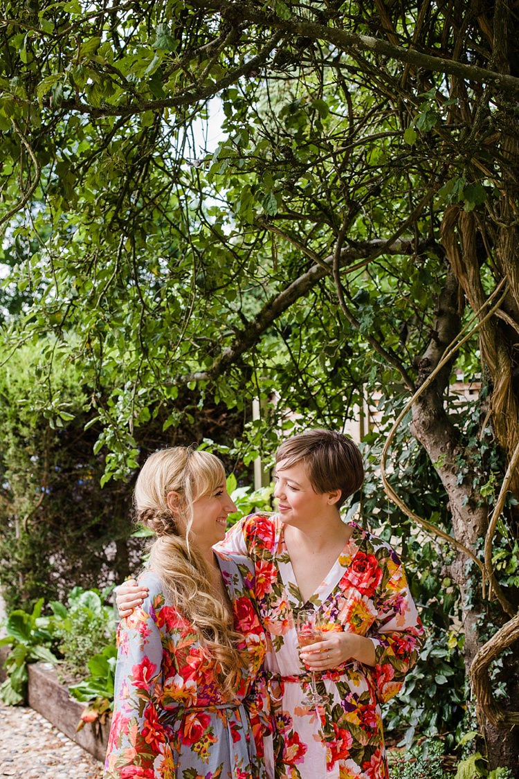 Floral Dressing Gown Bride Bridesmaids Graceful Relaxed Summer Garden Wedding http://www.nataliemartinphoto.com/