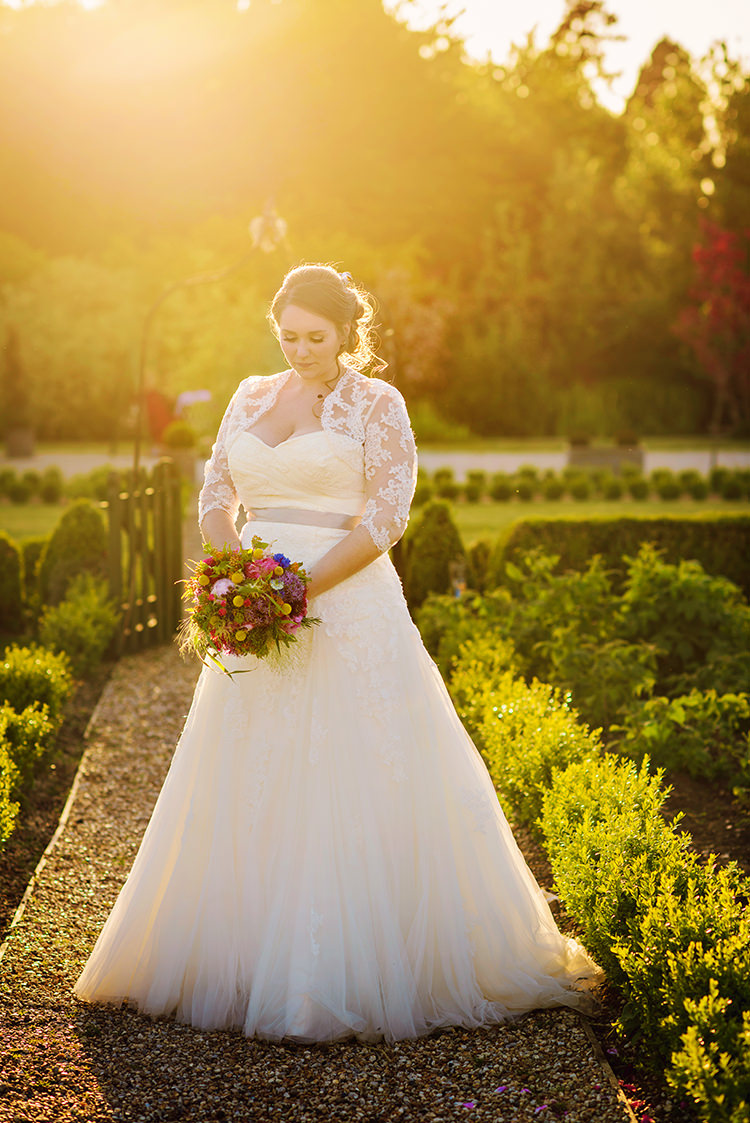 Lace Tulle Dress Gown Bride Bridal Relaxed Country Outdoor Flowers Bright Summer Wedding http://www.photographybyvicki.co.uk/