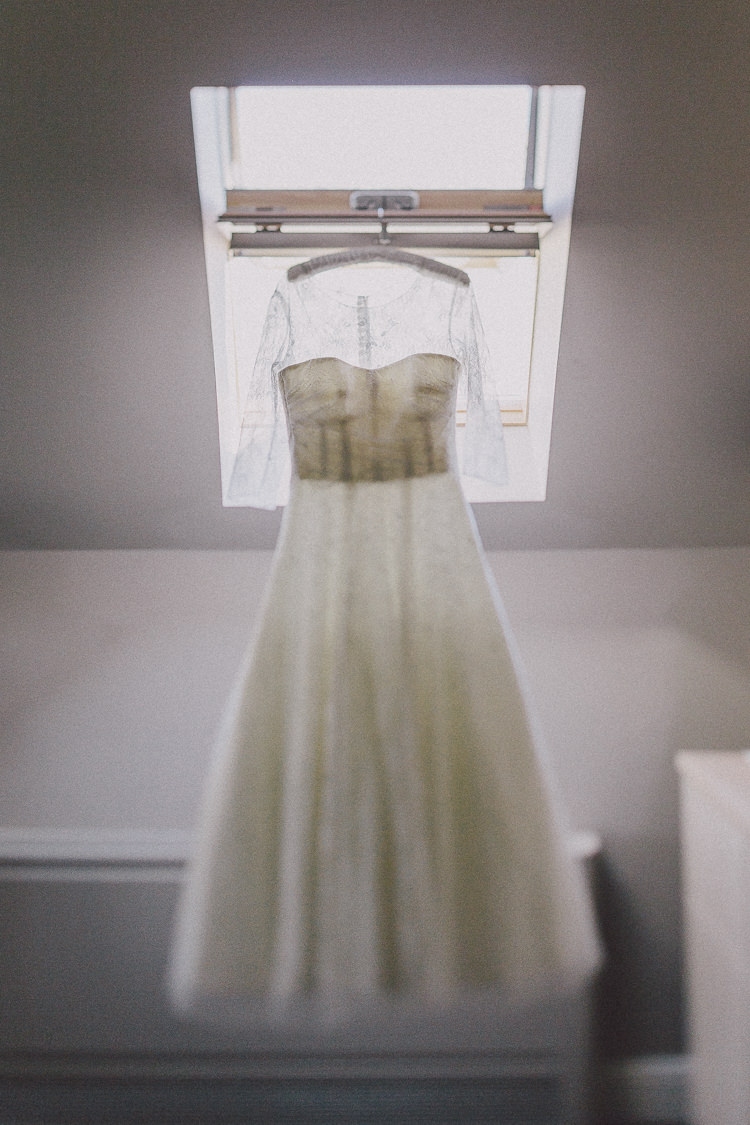 Connie by Alan Hannah Dress Gown Bride Bridal Easter Barn Vintage China Wedding http://www.scuffinsphotography.com/