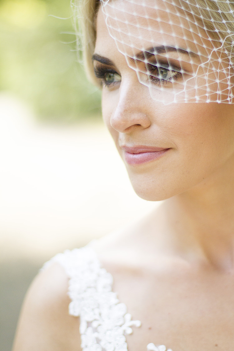 Make Up Bride Bridal Beauty Modern Classic Grey White Chic Elegant Wedding http://www.chanelleknapp.com/