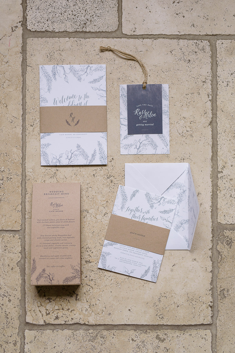 Stationery Invitation Bontanical Leaves Pretty Natural Rustic Woodland Wedding http://riamishaal.com/