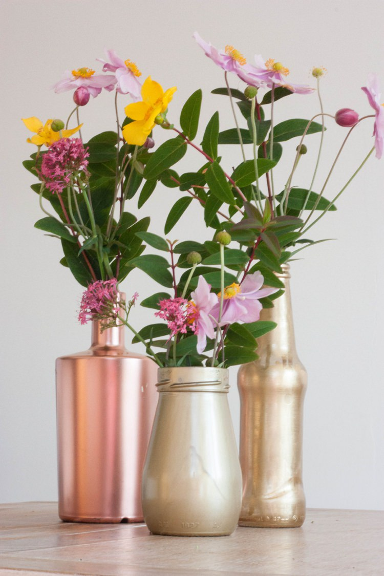 DIY Metallic Spray Bottles Wedding DIY Flowers Tutorial Gold Copper