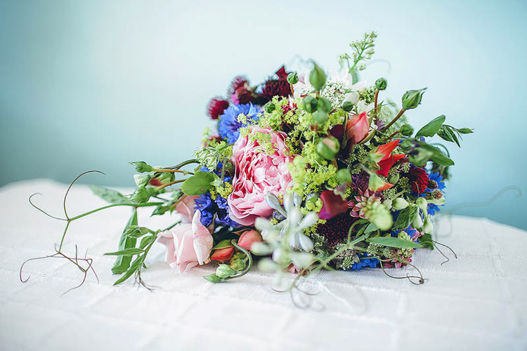 Wild Flower Bouquet Bride Bridal Pretty Relaxed Country Hand Made Wedding http://lemonadepictures.co.uk/