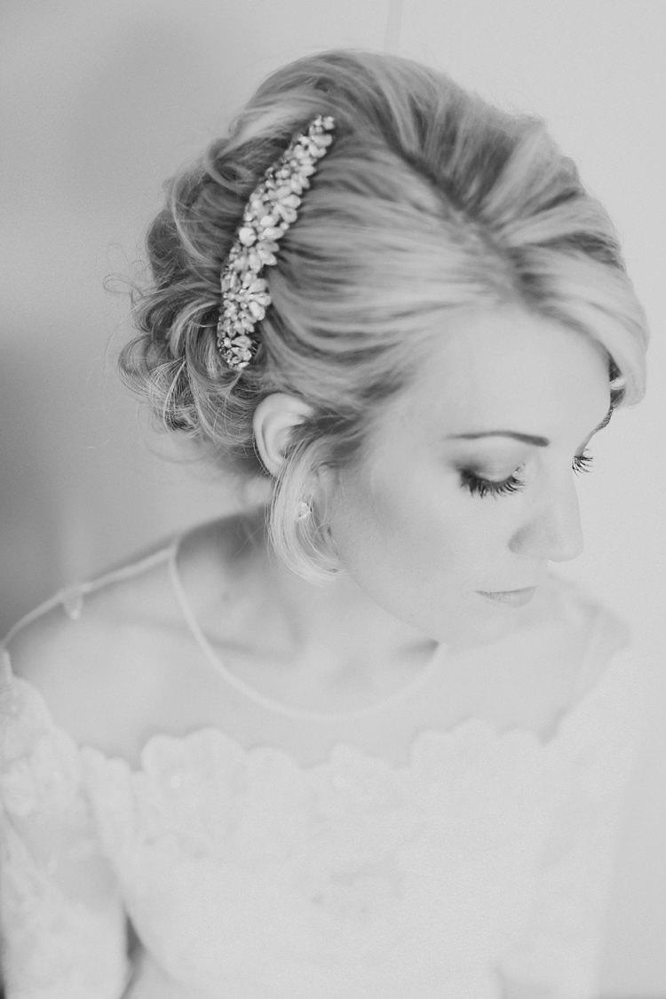 Jenny Packham Hair Comb Bride Bridal Style Make Up Beautiful Pink Gold Gin Wedding http://jesspetrie.com/