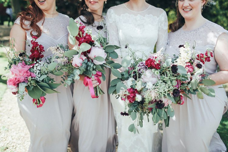 Red Bouquets Flowers Bridesmaids Beautiful Pink Gold Gin Wedding http://jesspetrie.com/