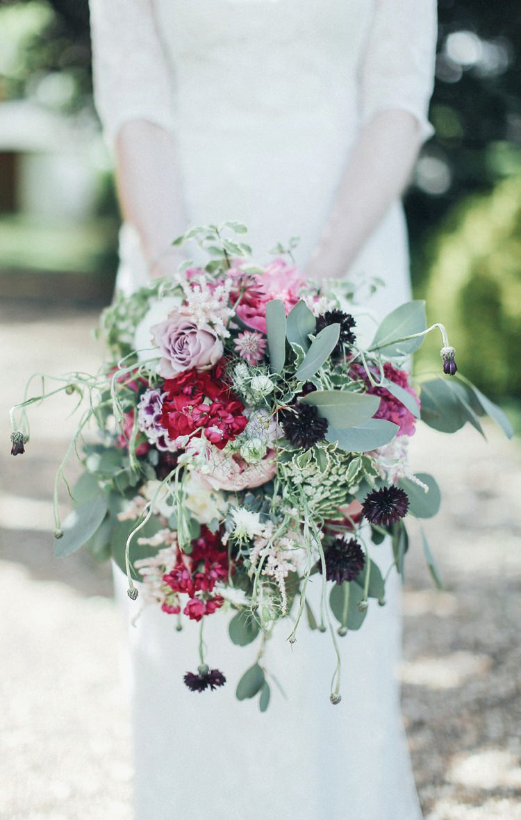 Red Bouquet Bride Bridal Flowers Rose Foliage Whimsical Beautiful Pink Gold Gin Wedding http://jesspetrie.com/