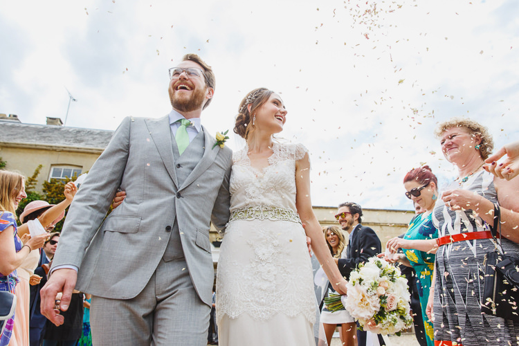 Confetti Soft Modern Vintage Garden Wedding http://kirstenmavric.co.uk/
