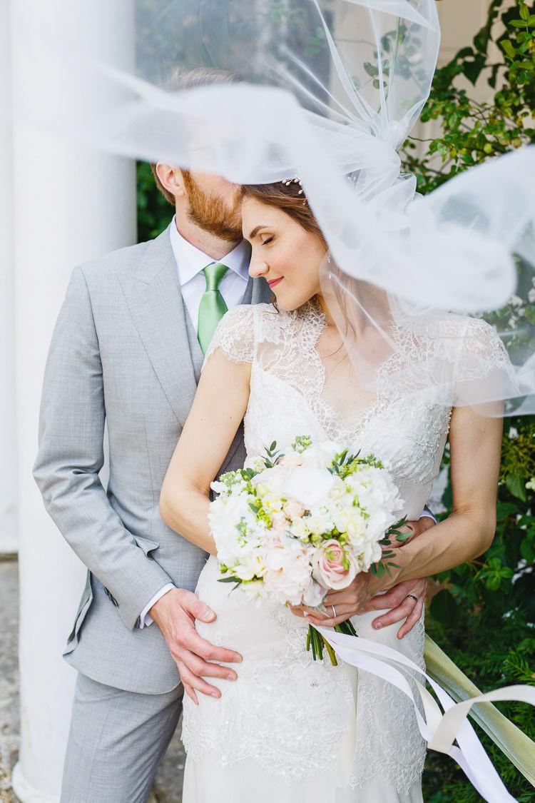 Veil Bride Bridal Soft Modern Vintage Garden Wedding http://kirstenmavric.co.uk/