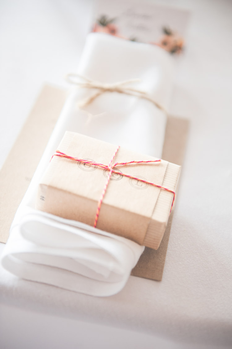 Bakers Twine Brown Paper Favour Packaging Wrapping Fresh Relaxed Peach Barn Wedding http://lisahowardphotography.co.uk/