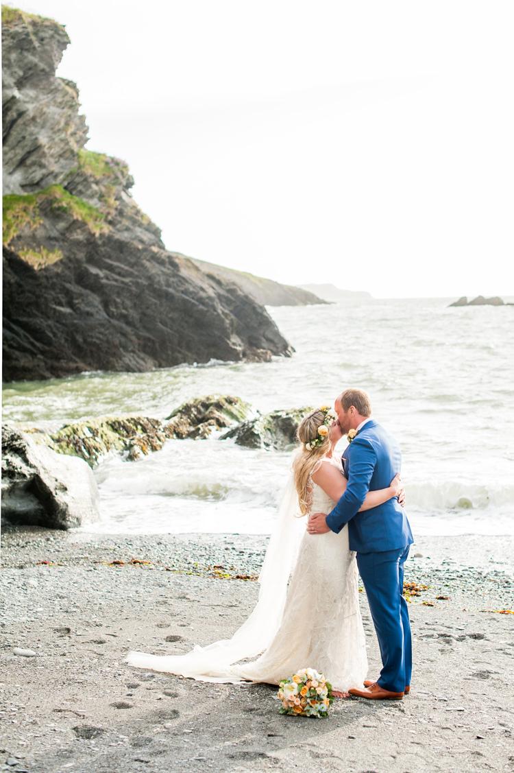 Stylish Beach Mermaid Wonderland Wedding Sourceimagescouk