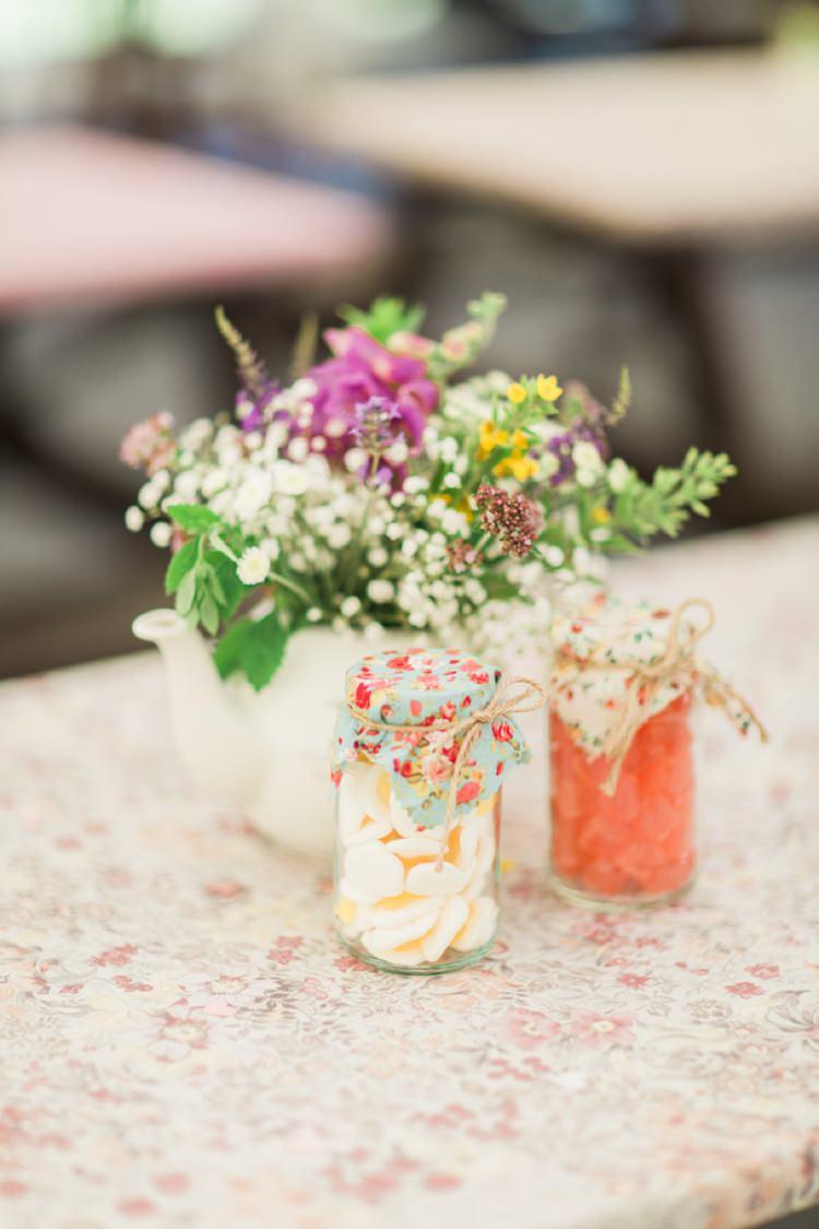Sweet Jar Favours Bohemian DIY Pub Garden Wedding http://www.bethanystanley.com/