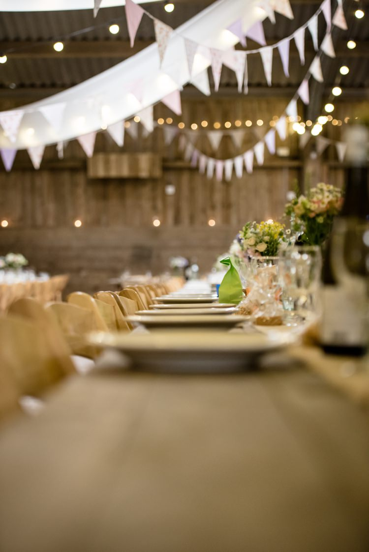 Bunting Beautiful Country Barn Relaxed Family Wedding http://hollybobbins.com/