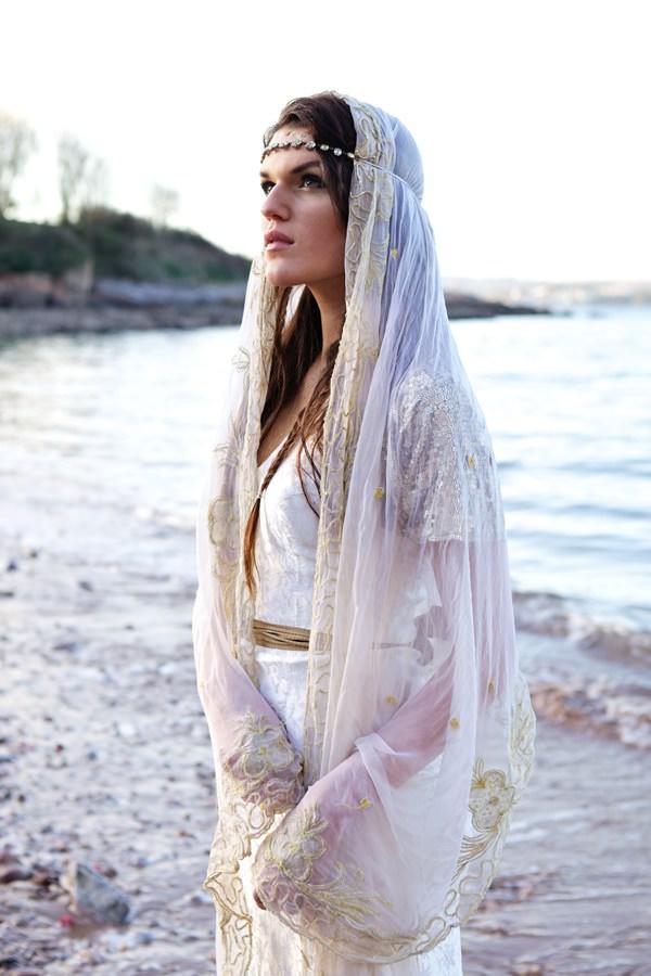 Juliet Lace Cap Veil Vintage Wedding Bride Bridal Ideas Inspiration http://elizabetharmitage.com/