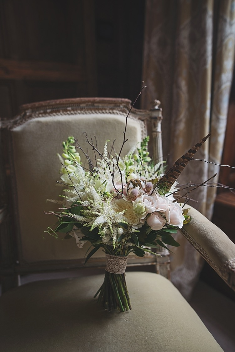 Bouquet Flowers Bride Bridal Feather Classic Country House Black Gold Blush Wedding http://www.camillarosa.co.uk/