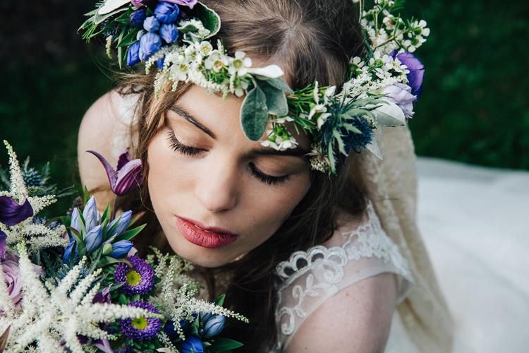 Flower Crown Veil Bride Bridal Wedding Ideas Inspiration http://www.christinemcnally.co.uk/