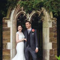 Timeless Rainy Pastel DIY Wedding http://www.catlaneweddings.com/