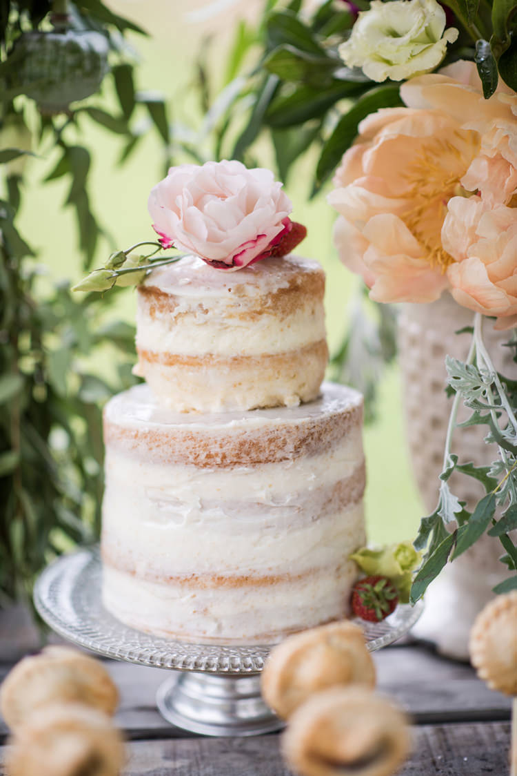 Naked Buttercream Cake Layer Sponge Whimsical Soft Floral Meadow Wedding Ideas http://www.jbcreatives.co.uk/