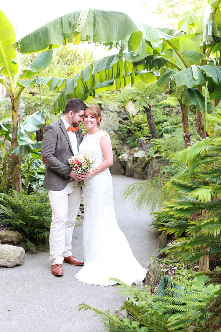 Casual summer outdoor beach wedding whimsical wonderland for Wedding dresses for summer outdoor weddings