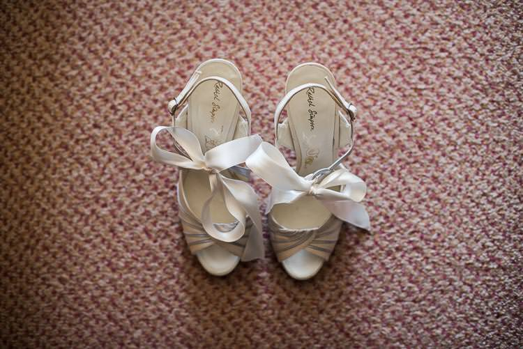 Rachel Simpson Bow Ribbon Shoes Bride Bridal Pretty White Summer Informal Wedding http://www.jessicagracephotography.com/