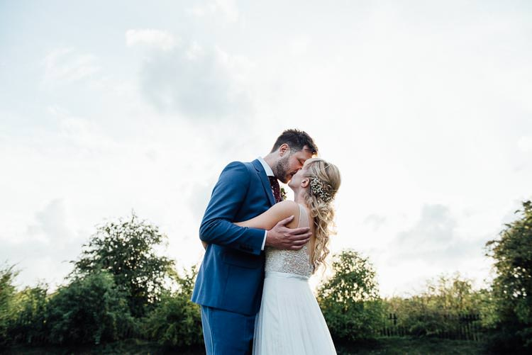 Pretty White Summer Informal Wedding http://www.jessicagracephotography.com/