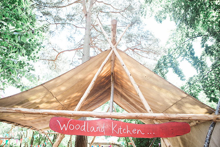 Wilderness Wood Indie Hand Made Outdoor Woodland Wedding http://www.ilariapetrucci.co.uk/