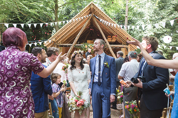 Confetti Indie Hand Made Outdoor Woodland Wedding http://www.ilariapetrucci.co.uk/