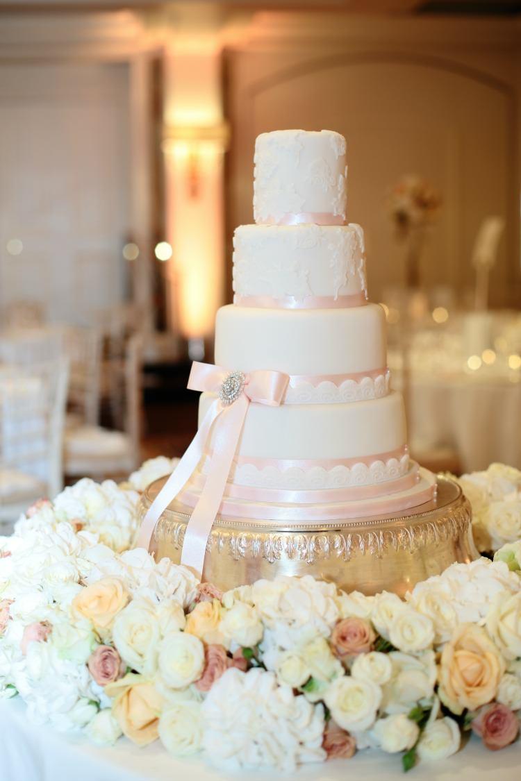 Melissa Woodland Cakes Wedding Luxury Dasha Caffrey