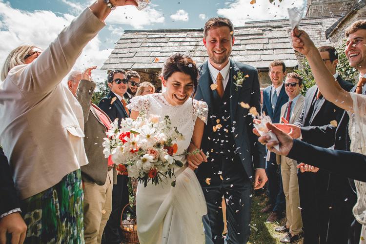 Confetti Throw Country Crafty Colourful Weekend Party Wedding http://www.noeldeasington.com/