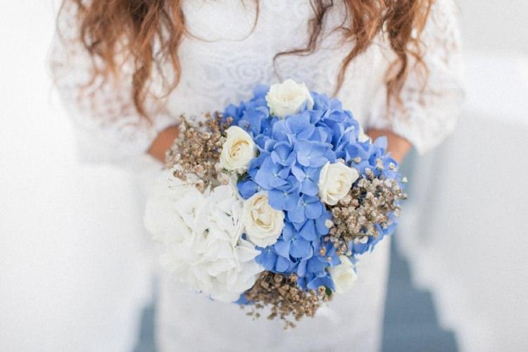 Hydrangea Rose Bouquet Flowers Bride Bridal Bohemian Blue White Santorini Engagement http://www.robertafacchini.com/