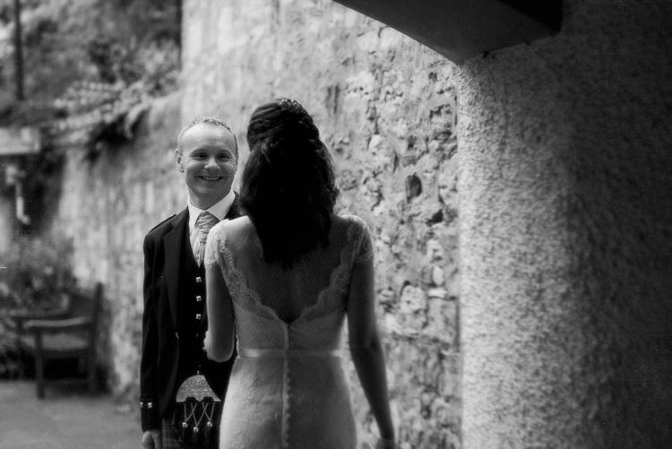 Modern Natural Pink Metallic Wedding http://photosbyzoe.co.uk/