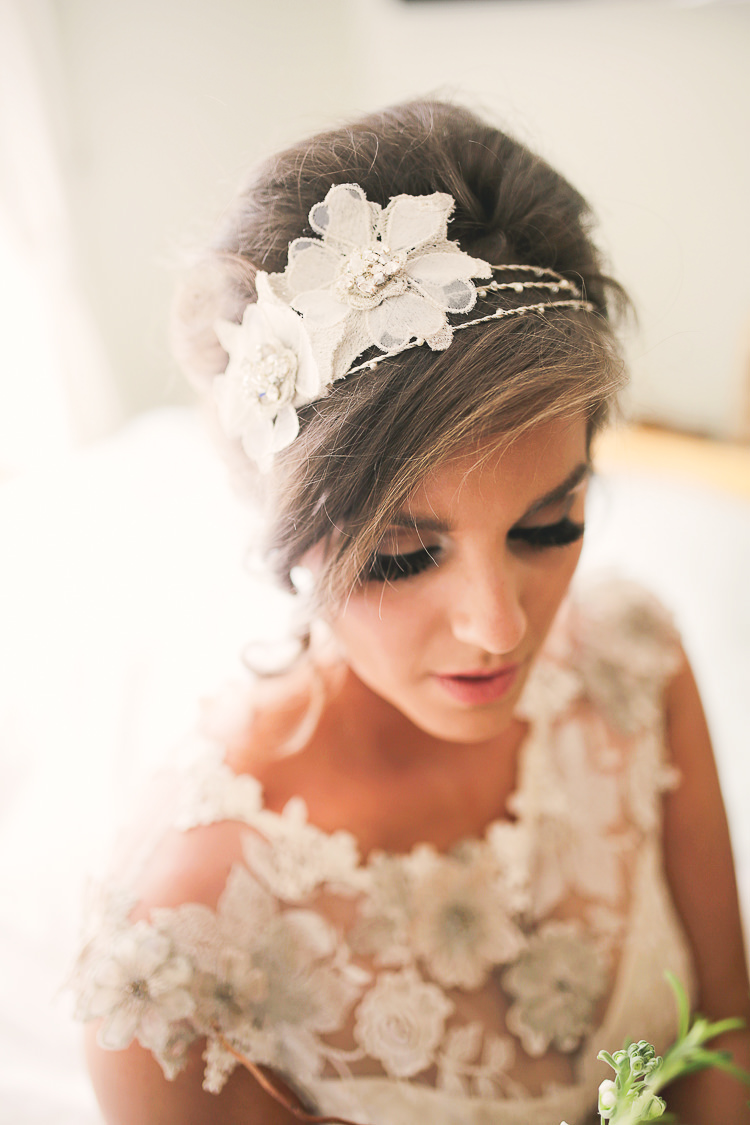 Bride Bridal Hair Band Accessory Stylish Pastel Rustic Barn Wedding http://helenrussellphotography.co.uk/