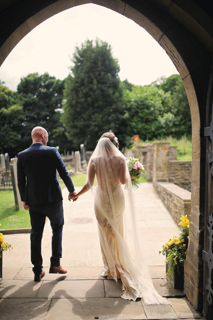 Veil Bride Bridal Stylish Pastel Rustic Barn Wedding http://helenrussellphotography.co.uk/