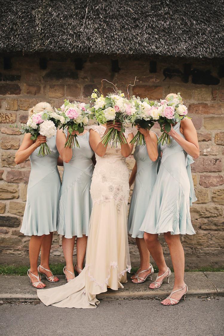 Stylish Pastel Rustic Barn Wedding http://helenrussellphotography.co.uk/