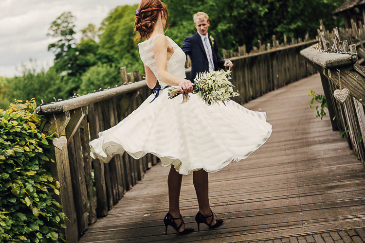 Rustic Treehouse Wedding http://helenrussellphotography.co.uk/