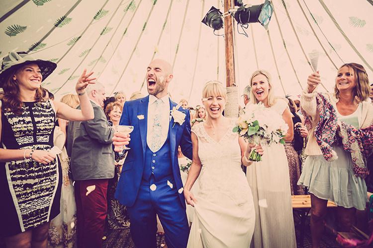 Confetti Throw Glastonbury Festival Garden Party Wedding http://www.tommyreynoldsweddings.co.uk/