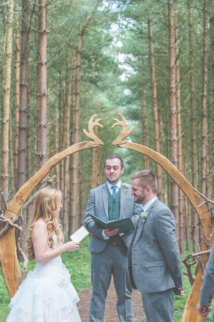 Handfasting Ceremony Quirky Natural Woodland Wedding http://lisahowardphotography.co.uk/