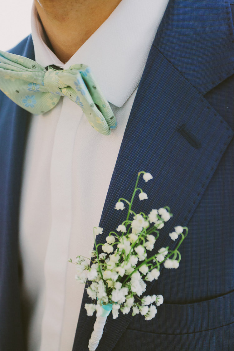White Buttonhole Groom Mint Chemistry Outdoor Wedding Estonia http://sokkphoto.com/