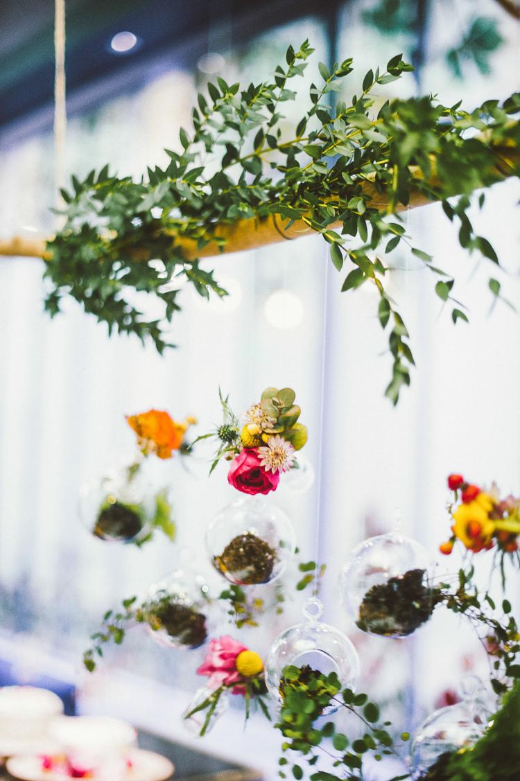 Hanging Flowers Arrangement Display Whimsical Vibrant Multicolour Wedding Ideas http://hecapture.fr/