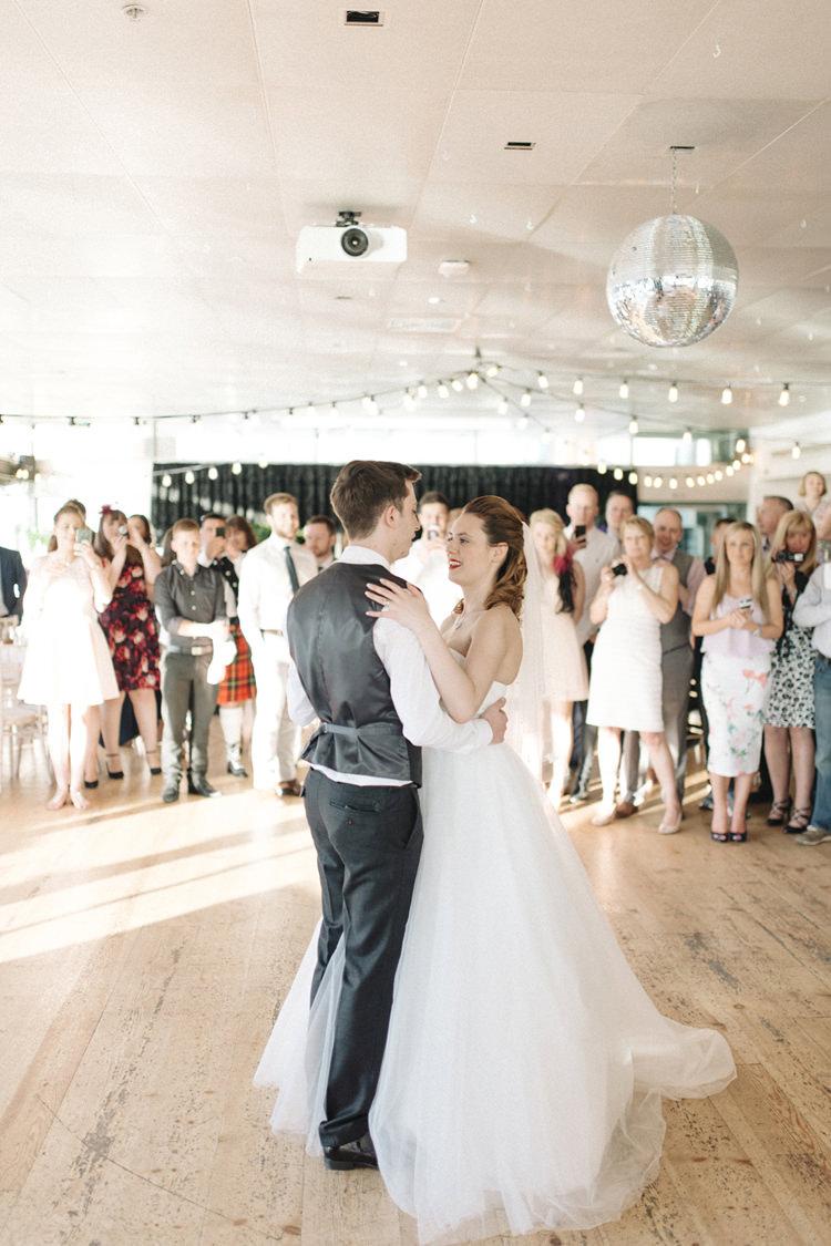 Chic Pastel City Wedding http://sarahjaneethan.co.uk/
