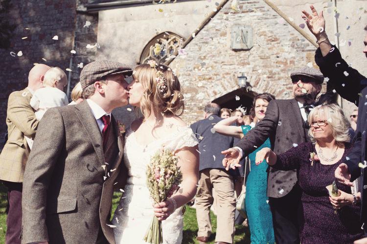 Confetti Throw Colourful Crafty Country Spring Village Wedding http://myfabulouslife.co.uk/