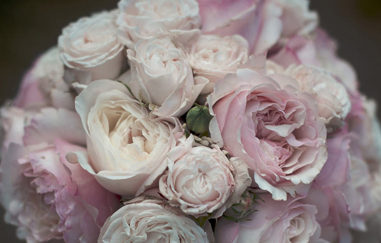 Pink Peony Peonies Rose Bouquet Flowers Bride Bridal Beautiful Summer Garden Party Wedding http://divinedayphotography.com/
