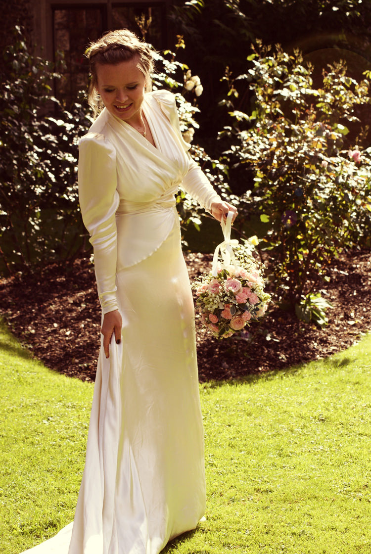 1930s Dress Bride Gown Bridal Long Sleeves Vintage Country Garden Festival Wedding http://www.kimberleysta-mariaphotography.com/