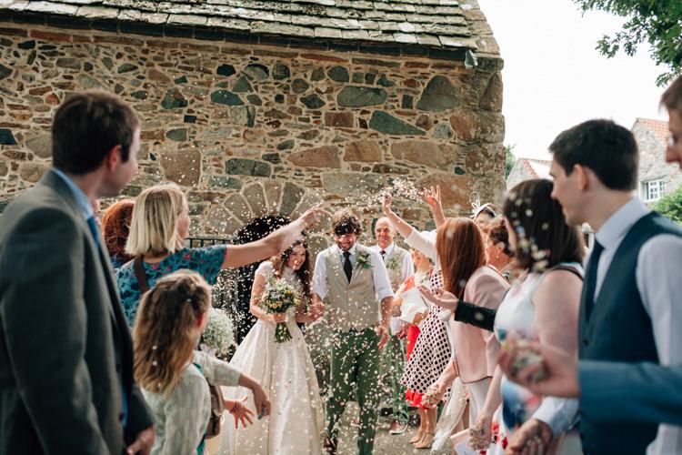 Confetti Throw Bride Groom Bohemian Origami Guernsey Wedding http://janiceyiphotography.ca/