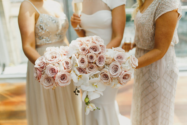 Blush Roses Bouquets Flowers Bridesmaids Modern Chic Stylish City Wedding http://photographybymarclawson.com/